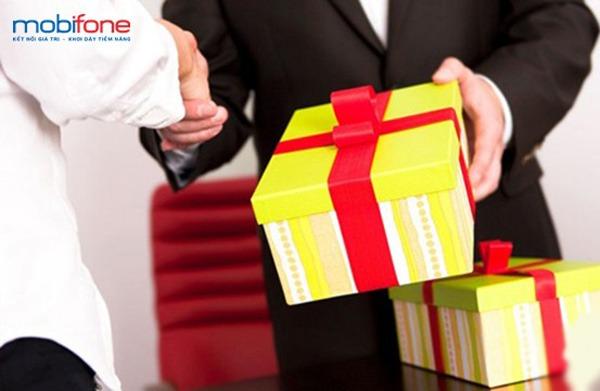 Mobifone tặng quà cho khách hàng là doanh nghiệp